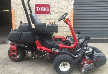 02485514 Used Greens Mowers Toro Greensmaster TriFlex 3300