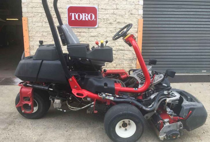 Toro Greensmaster TriFlex 3300P - Image 1